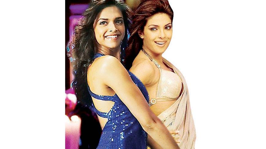12-Priyanka-Chopra-Dance-In-Saree-copy